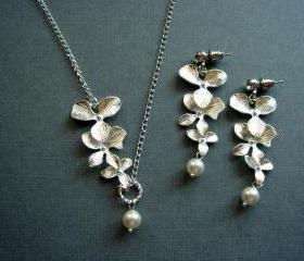 Penelope Orchid Necklace and Earrings Set